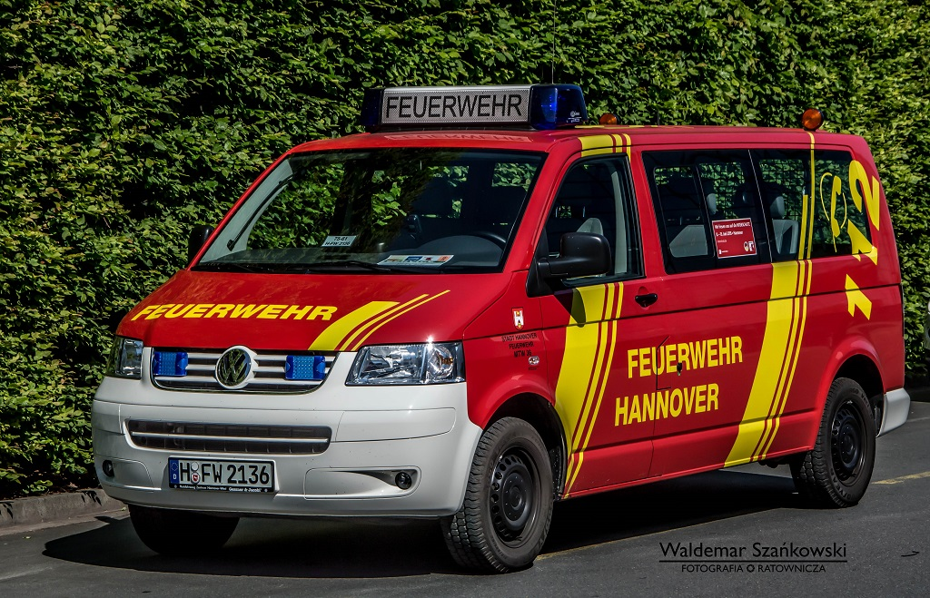 h fw 2136 volkswagen transporter t5 feuerwehr hannover ratownictwo w obiektywie portal. Black Bedroom Furniture Sets. Home Design Ideas